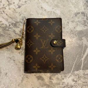 💯 Authentic Louis Vuitton Small Ring agenda